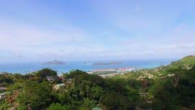 Panorama van Mahe Island And Eden Island-vorm zonder Souicis-Gezichtspunt, Seychellen 3 stock footage