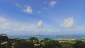 Panorama van Mahe Island And Eden Island-vorm zonder Souicis-Gezichtspunt, Seychellen 2 stock video