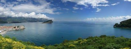 Panorama van mediterrane kust stock foto