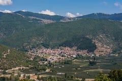 Panorama van Metsovo, een stad in Epirus, noordelijk Griekenland stock foto