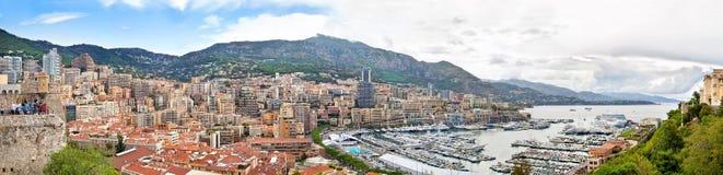 Panorama van Monaco bewolkte dag stock afbeeldingen