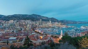 Panorama van Monaco: Het gebied en haven Hercule van La Condamine bij schemer stock video