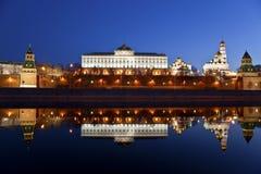 Panorama van Moskou het Kremlin in de vroege ochtend Stock Foto