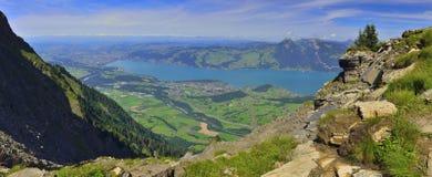 Panorama van Niesen van Berner Oberland, Schweiz Stock Afbeelding