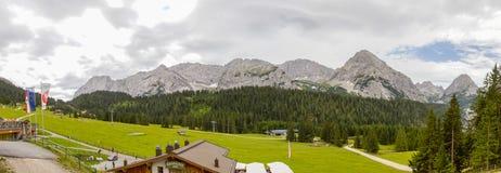 Panorama van Oostenrijkse Alpen dichtbij Ehrwald Royalty-vrije Stock Fotografie