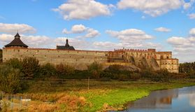 Panorama van oud Medzhybizh-kasteel Vesting als bolwerk tegen Ottomaneuitbreiding wordt gebouwd in 1540s die Medzhybizh royalty-vrije stock afbeelding