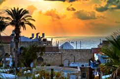 Panorama van oude Jaffa bij zonsondergangavond stock afbeelding