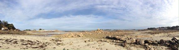 Panorama van overzeese kust Royalty-vrije Stock Foto's
