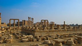 Panorama van Palmyra-kolommen, oude die stad door ISIS Syria wordt vernietigd Stock Foto's