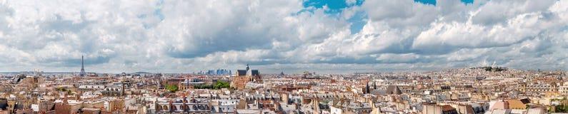 Panorama van Parijs van het gebouw van het Centre Pompidoumuseum royalty-vrije stock afbeelding