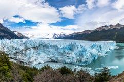 Panorama van Perito Moreno Glacier bij Los Glaciares Nationaal Park in Patagonië - Gr Calafate, Santa Cruz, Argentinië royalty-vrije stock fotografie
