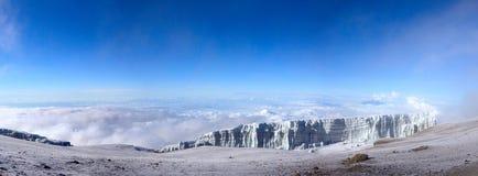 Panorama van piekuhuru van Kilimanjaro Stock Afbeelding