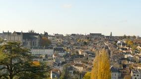 Panorama van Poitiers, een stad in Frankrijk stock footage