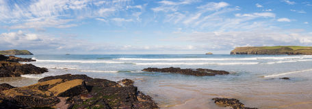 Panorama van Polzeath-Strand, Cornwall Royalty-vrije Stock Foto