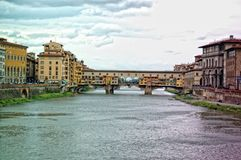Panorama van Ponte Vecchio in Florence, Italië stock afbeeldingen