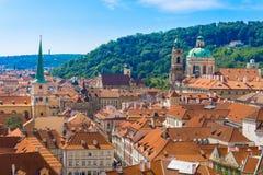 Panorama van Praag van het Kasteel van Praag, Tsjechische Republiek Stock Foto's