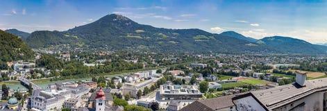 Panorama van Salzburg in de Zomer stock foto's