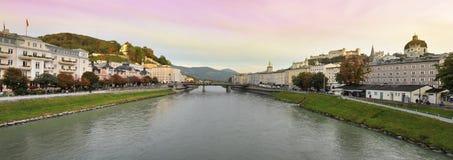 Panorama van Salzburg, Oostenrijk Stock Foto's