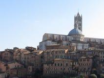 Panorama van Siena met de metropolitaanse kathedraal van Heilige Mary van de Veronderstelling Toscanië, Italië Royalty-vrije Stock Foto