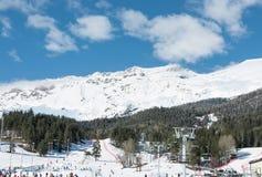 Panorama van skitoevlucht Arkhyz Stock Foto's