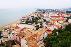 Panorama van Sperlonga en Thyrreense Zee Italië royalty-vrije stock foto