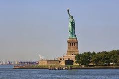 Panorama van Standbeeld van Vrijheid en Vrijheidseiland, de Stad van New York, de V.S. stock fotografie