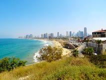 Panorama van Tel Aviv van de dijk van de stad van Jaffa De zomer van 2018 royalty-vrije stock afbeelding