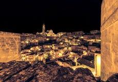 Panorama van typische stenen Sassi di Matera en kerk van het Europese Kapitaal van Unesco van Matera van Cultuur 2019 Royalty-vrije Stock Afbeelding