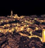 Panorama van typische stenen Sassi di Matera en kerk van het Europese Kapitaal van Unesco van Matera van Cultuur 2019 Royalty-vrije Stock Foto's