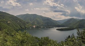 Panorama van Vacha-Dam, Devin Municipality, Bulgarije Stock Afbeeldingen