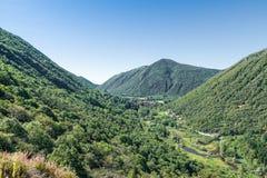 Panorama van Valganna met Ganna en Meer Ganna, provincie van Varese, Italië Royalty-vrije Stock Fotografie