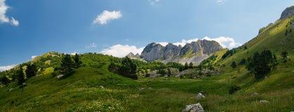 Panorama van Velika-het nationale park van Sutjeska van de plecaheuvel in Z Royalty-vrije Stock Afbeeldingen