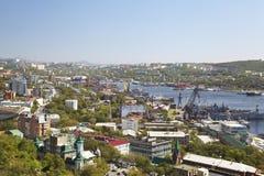 Panorama van Vladivostok. Bochten Gouden Hoorn Rusland Stock Afbeeldingen