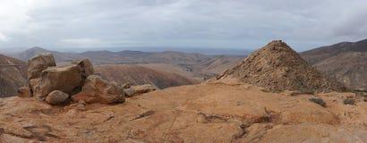Panorama van vulkanische heuvels, Fuerteventura Stock Afbeelding