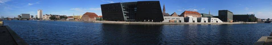 Panorama van waterkant in Kopenhagen Stock Foto's