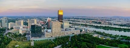 Panorama van Wenen vanaf de bovenkant royalty-vrije stock foto