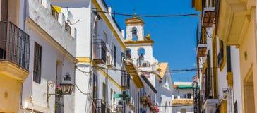 Panorama van witte en gele huizen in Cordoba stock foto's