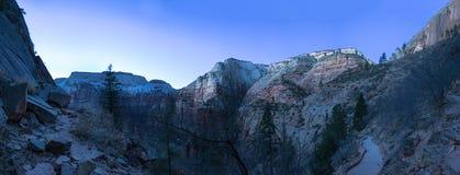 Panorama van Zion National Park in Dawn Stock Foto's