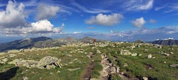 Panorama vanaf de bovenkant van de berg Royalty-vrije Stock Foto's
