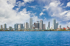 Panorama variopinto delle costruzioni del centro di Miami Immagine Stock Libera da Diritti