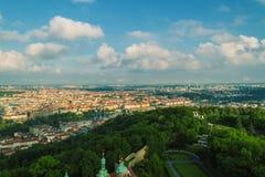 Panorama velho da cidade de Praga foto de stock royalty free