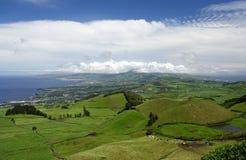 Panorama verde de la isla imagen de archivo libre de regalías