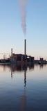 Panorama vertical de la central eléctrica de Hanasaari en Helsinki, Finlandia fotos de archivo libres de regalías