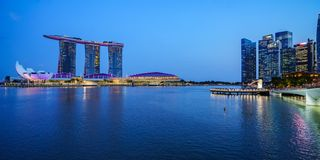 Singapore - october 15, 2018: panorama of marina bay sands and merlion in singapore at night stock photos