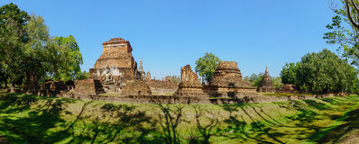 Panorama view of the ruins of Wat Mahathat Royalty Free Stock Images