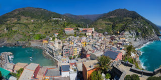 Panorama view of Vernazza fisherman village in Cinque Terre, Ita Royalty Free Stock Photos