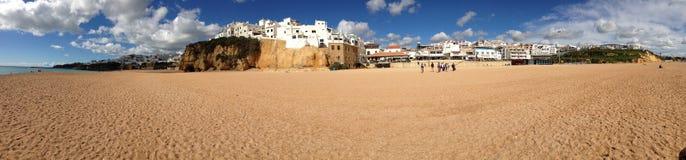 Panorama vom Strand in Portugal Lizenzfreies Stockfoto