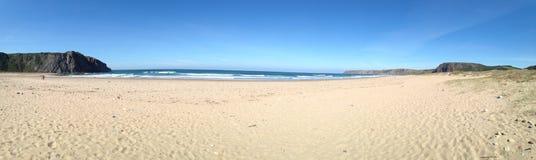 Panorama von ³ Playa de Xagà nahe GozÃ-³ n in Asturia, Nord-Spanien Lizenzfreie Stockbilder