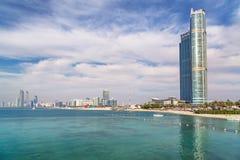 Panorama von Abu Dhabi, die Hauptstadt von UAE Lizenzfreie Stockbilder