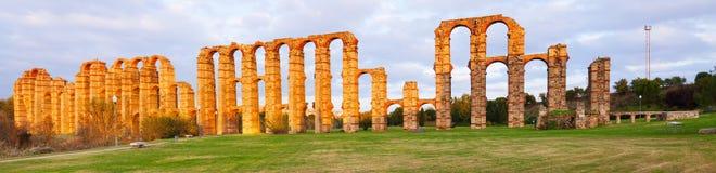 Panorama von Acueducto de Los Milagros Lizenzfreie Stockfotos